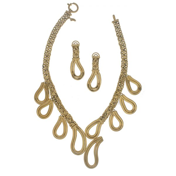 Necklace and drops earrings in yellow gold