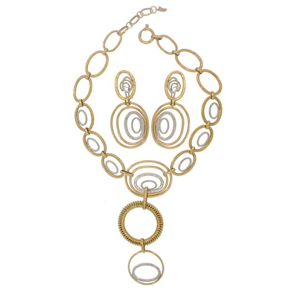 Necklace and drop earrings in yellow gold